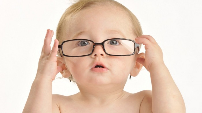 baby-glasses-wallpaper_252073782